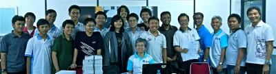 Foto bersama peserta dan pembina Pelatnas 3 TOKI 2013 sesaat setelah mengikuti APIO 2013.